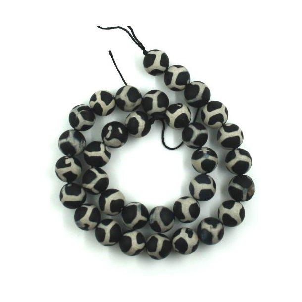 12mm agat med sort/hvid mønster,