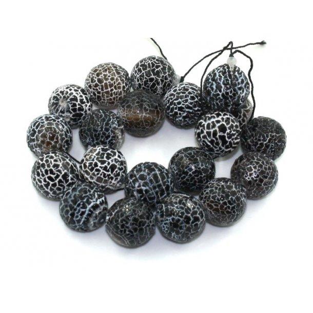 20mm facet slebet og krakeleret agat perle. sort