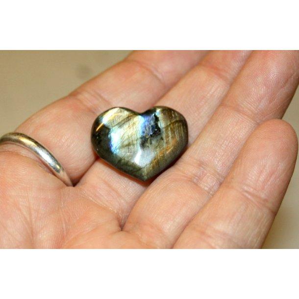 Labridorit sten hjerte